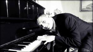 Piano NUDi b&w